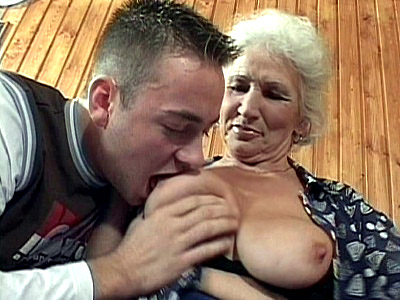 Hot Granny fucked right into an asshole
